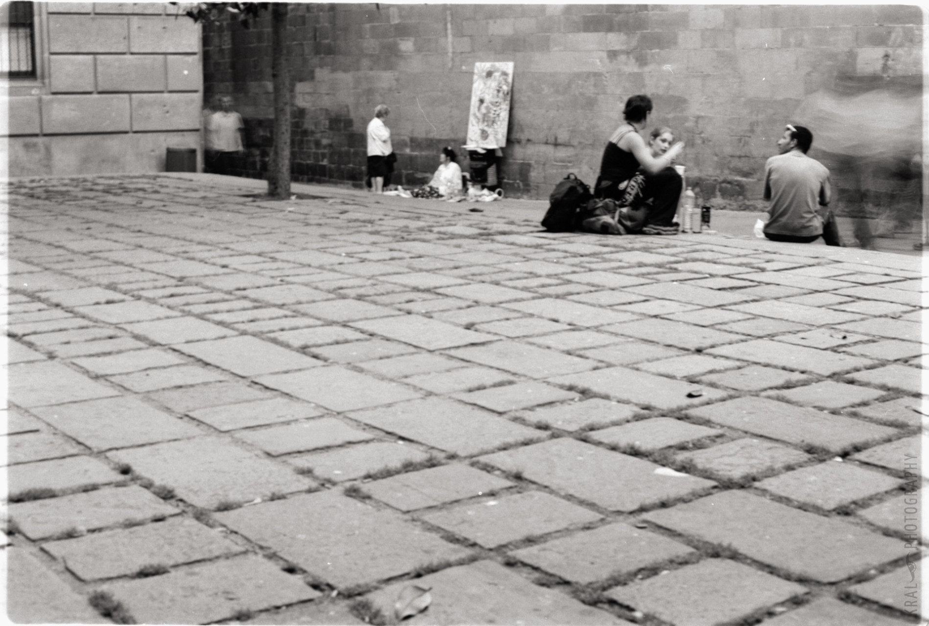 © Holger Kral • Photography - bcn02_01_05 - 2002, barcelona, blackwhite, journey, street - photo #1