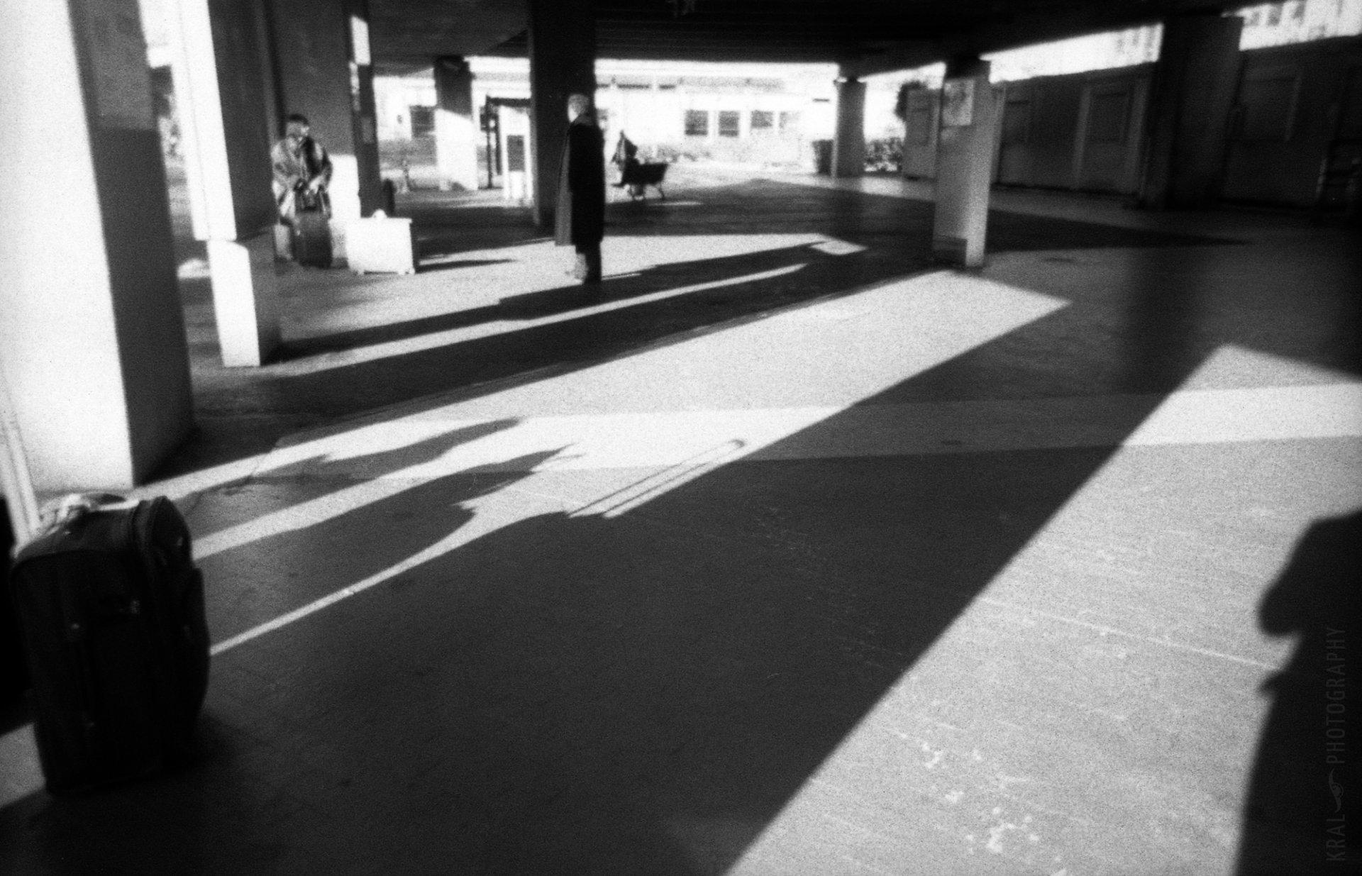 © Holger Kral • Photography - 08-01-021 - 2007, blackwhite, italy, journey, landscape, street, urban landscape, winter - photo #1