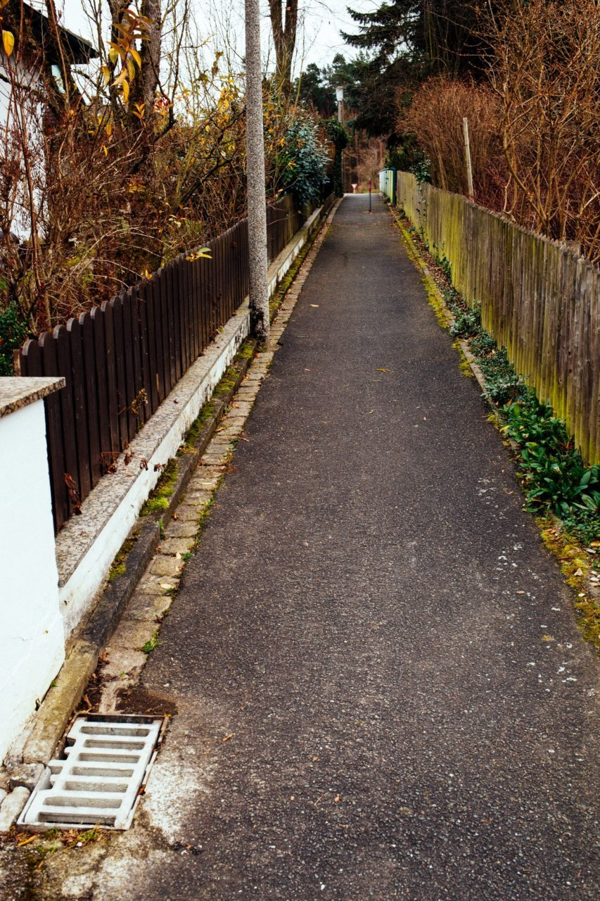 © Holger Kral • Photography - 01_MG_7914 - 2014, bavaria, color, fall, gated, germany, street, urban landscape, winter - photo #1